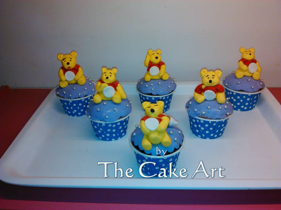pooh team with muffins